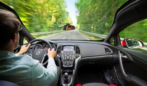 Opel Astra BiTurbo techo