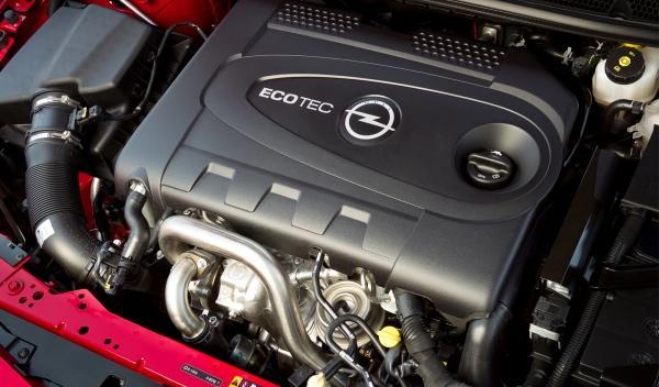 Opel Astra BiTurbo motor
