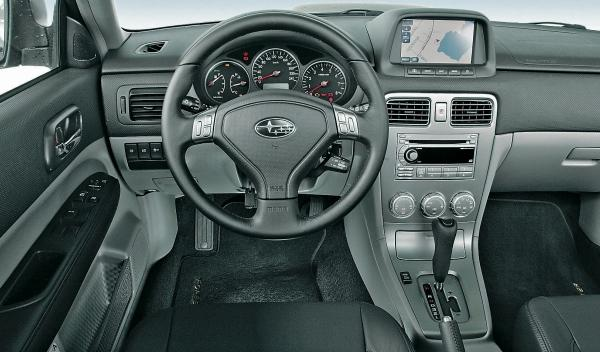 Subaru Forester II, interior