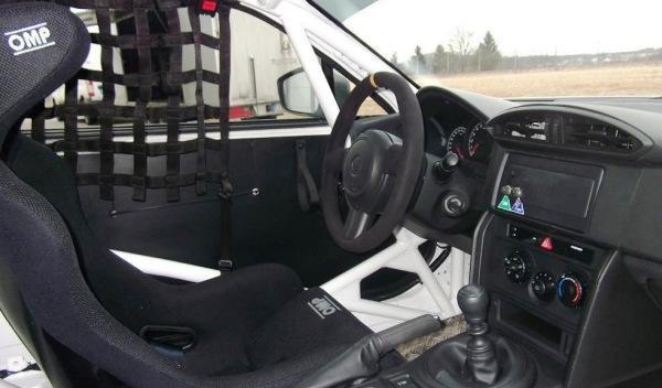 Toyota-GT86-CS-V3-interior