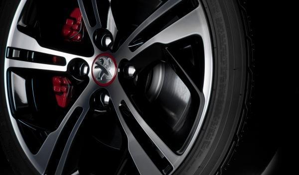 Peugeot-208-GTi-llanta
