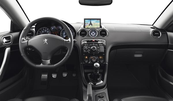 Peugeot RCZ 2012 interior salpicadero