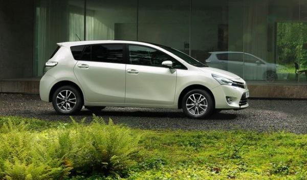 Toyota Verso 2013 lateral