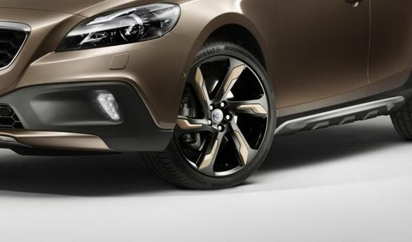 Volvo-V40-Cross-Country-llantas