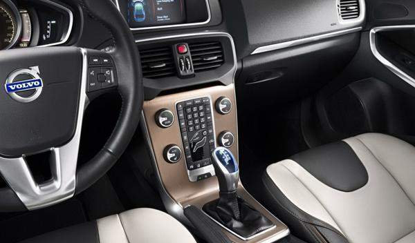 Volvo-V40-Cross-Country-interior-salpicadero