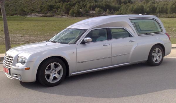 Chrysler-300C-coche-funebre-gris