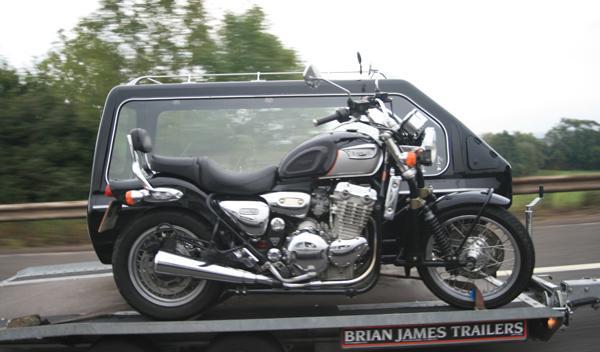 moto-triumph-sidecar-funebre