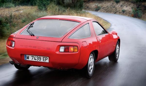 Porsche 928 trasera