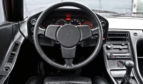 Porsche 928 salpicadero