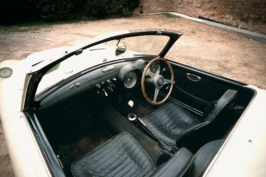interior pegaso z-102 volanta nardi