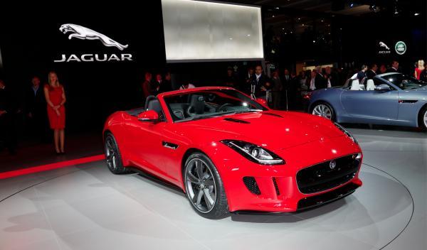 Jaguar F-TYPE rojo