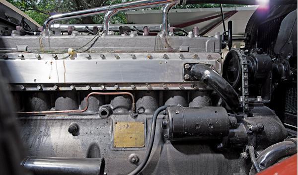 Ruxton Eight Sedan motor