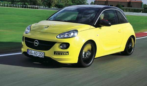 El Opel Adam es, por muy poco, solo el segundo mejor valorado, 1432 puntos.
