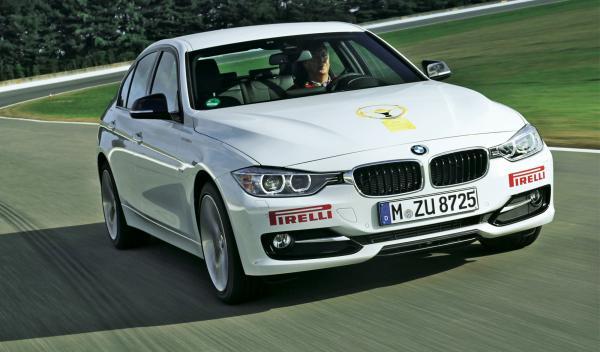 El BMW Serie 3 con 1663 puntos se alza con el primer puesto de las berlinas.