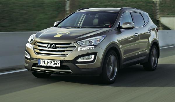 Cierra el Top 3 de los todocaminos el Hyundai Sante Fe con 1360 puntos.