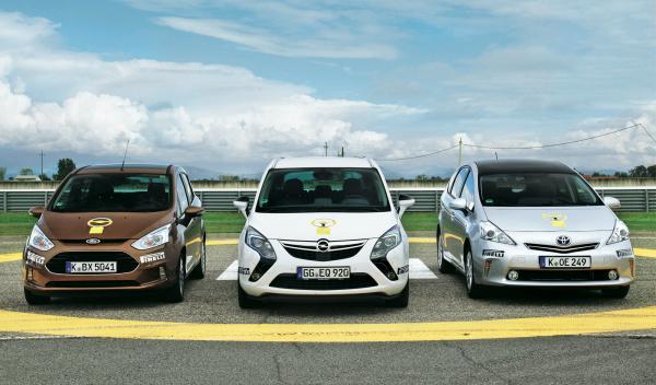El Opel Zafira (Mitte), el Ford B-Max y el toyota Prius+ son los ganadores del V