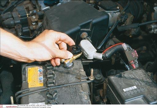 cortacorrientes batería coche