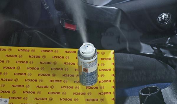 Desinfectante para limpiar el circuito filtro coche