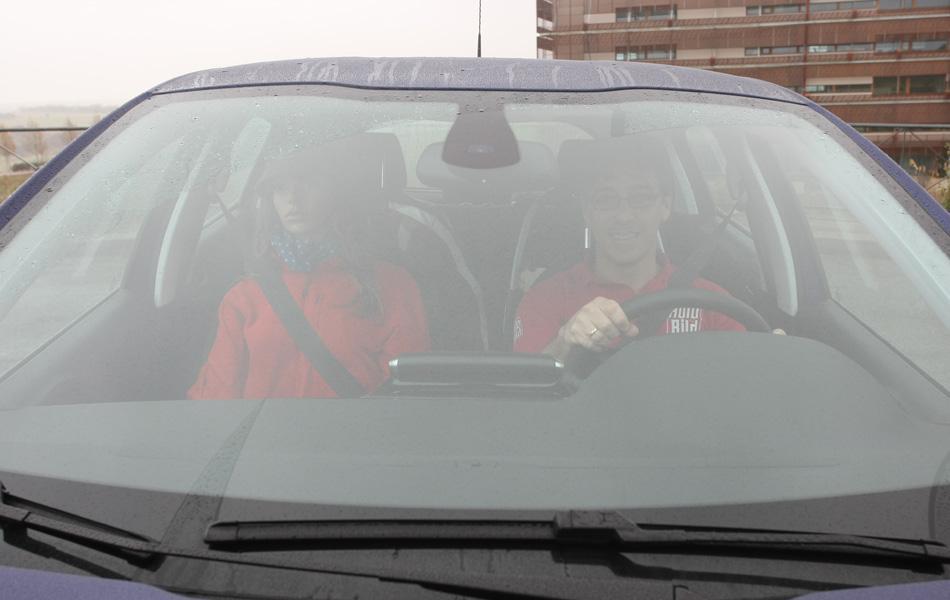 Vicente Cano y una copiloto que jamás le montará una escenita