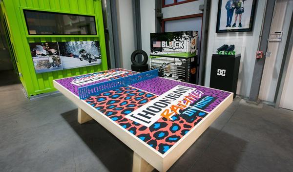 Mesa de billar en el garaje de Ken Block