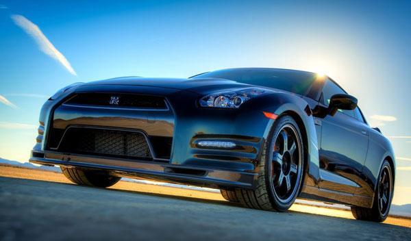 Nissan GT-R Track Edition delantera
