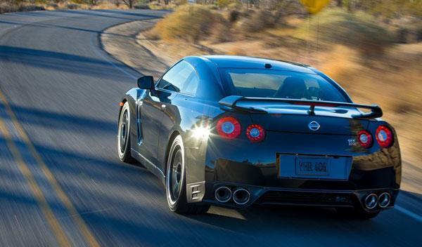 Nissan GT-R Track Edition trasera