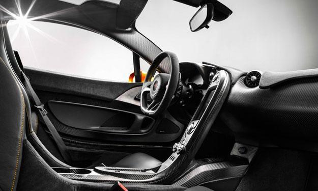 McLaren P1 interior fibra de carbono