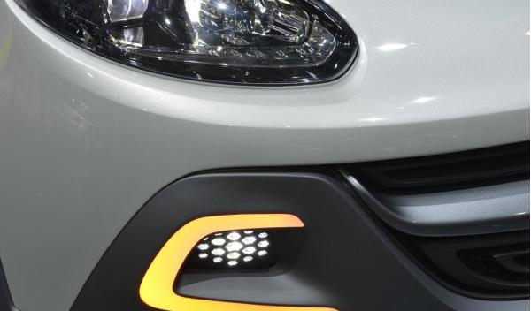 Opel Adam Rocks faros salon ginebra 2013