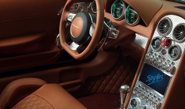 Spyker_B6_Venator_Concept_2013_interior