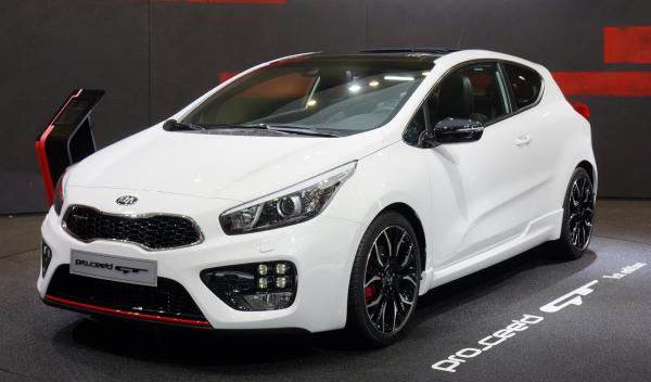 Kia proceed GT Salon de Ginebra 2013