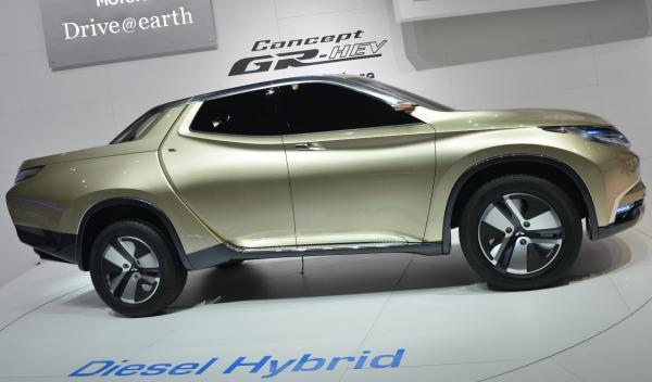 Mitsubishi GR-HEV Salon de Ginebra 2013