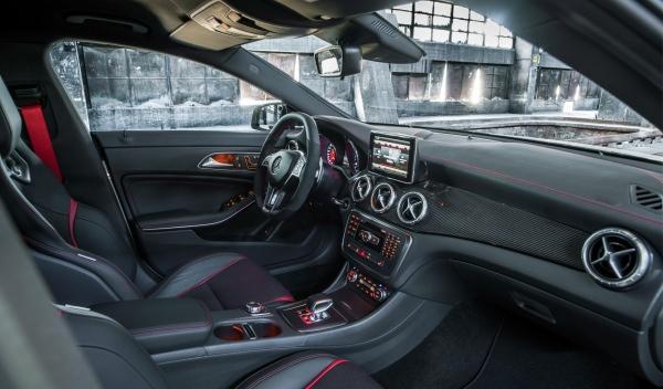 Mercedes CLA 45 AMG interior