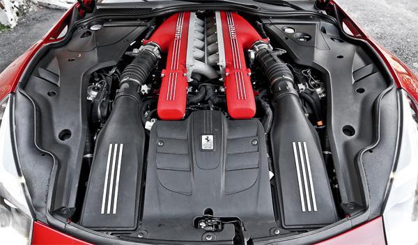 Ferrari F12 berlinetta motor