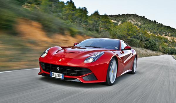 Ferrari F12 berlinetta delantera