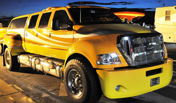 Ford F-650 limusina