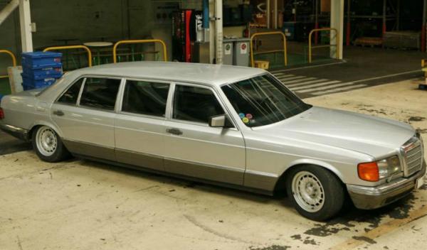 limusina Mercedes-Benz 500