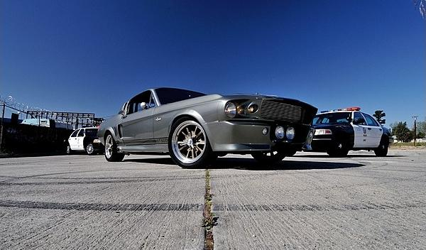 Ford Mustang Eleanor frontal