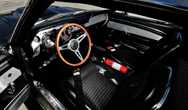 Ford Mustang Eleanor interior