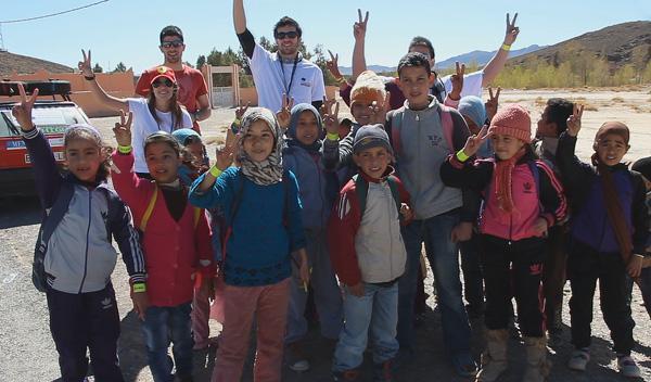 Primer colegio en el que repartimos la mayoría del material humanitario