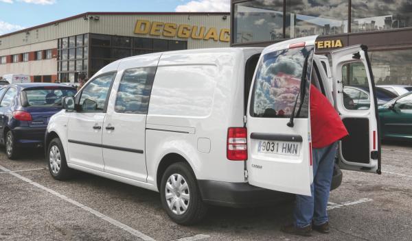Aprende a ahorrar en un desguace. VW Caddy.