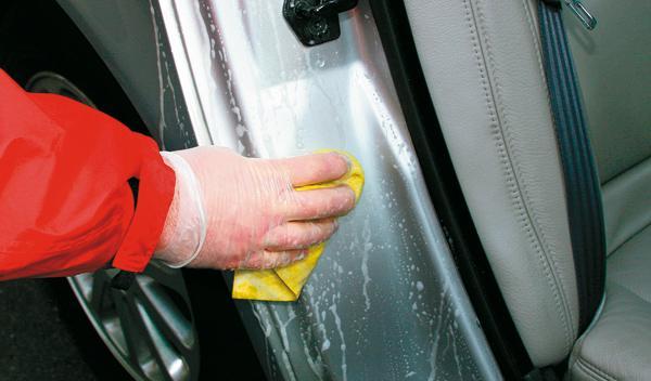 Cómo dejar tu coche como nuevo. Limpiador.