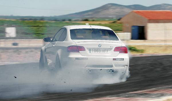 BMW M3 420 CV trasera derrape drift drifting