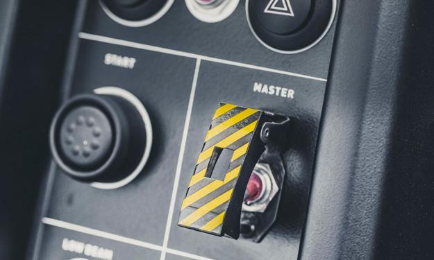 VÜHL 05 botón