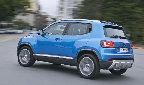 Volkswagen-Taigun-Trasera