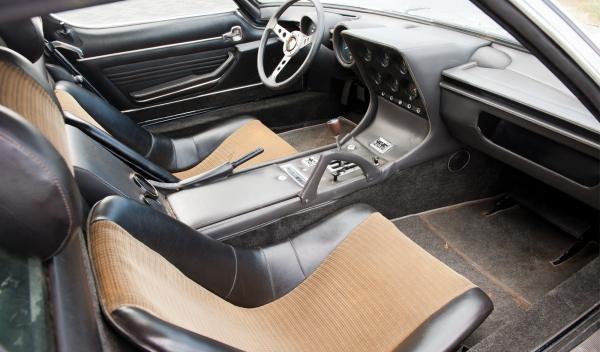 La impecable tapicería del Lamborghini Miura P400S de 1969
