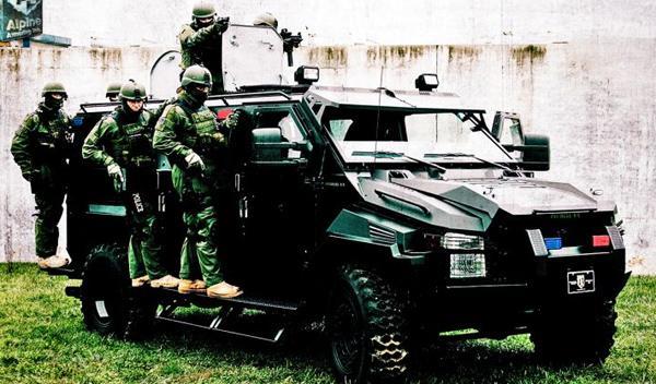 El camión de los SWAT