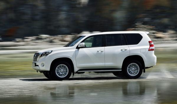 Toyota Land Cruiser 2014 lateral 2