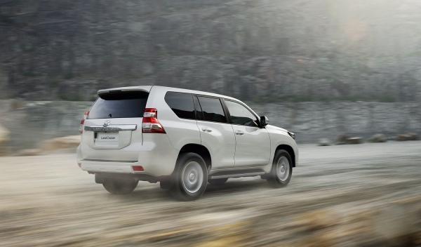 Toyota Land Cruiser 2014 tres cuartos traseros