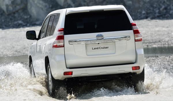 Toyota Land Cruiser 2014 trasera
