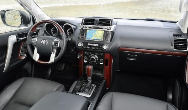 Toyota Land Cruiser 2014 interior